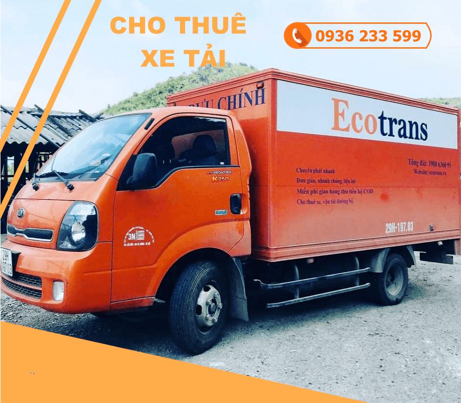 xe tải chở hàng tết phố Phùng Khắc Khoan