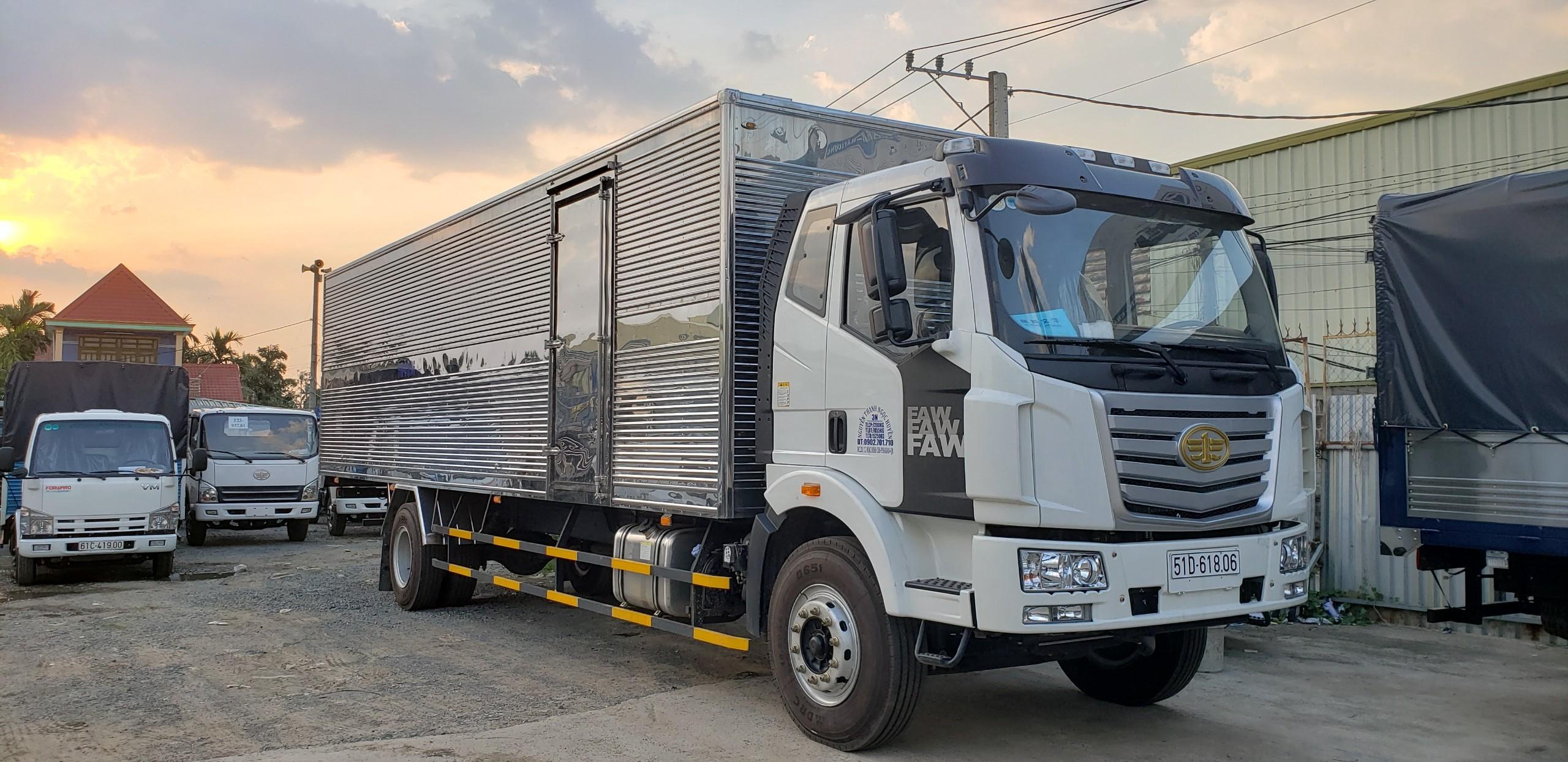 Xe tải lớn phù hợp với lượng hàng hóa siêu to khổng lồ